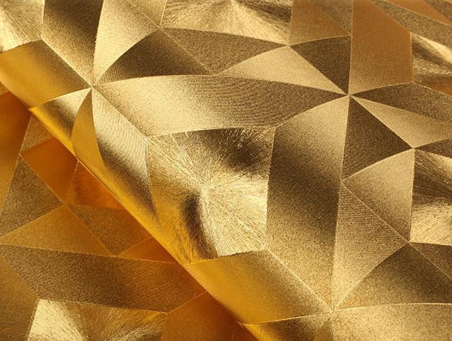 ลายเหลี่ยมสีทอง