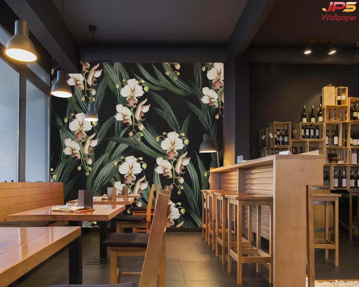 วอลเปเปอร์ผนังลายสวนป่าพื้นดำ วอลเปเปอร์ตกแต่งร้านอาหาร สั่งตัดภาพธรรมชาติลายใบไม้ดอกไม้ tropical style wallpaper