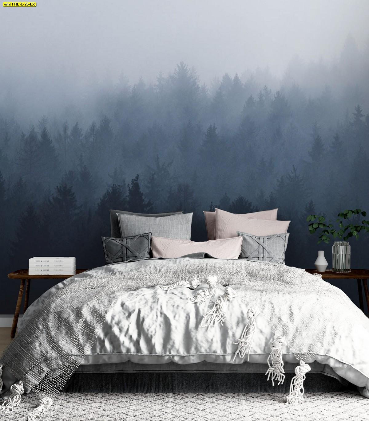 ห้องนอนสีขาวผ้านวมหนานุ่ม ตกแต่งวอลเปเปอร์ลายป่าหมอกในฤดูหนาว
