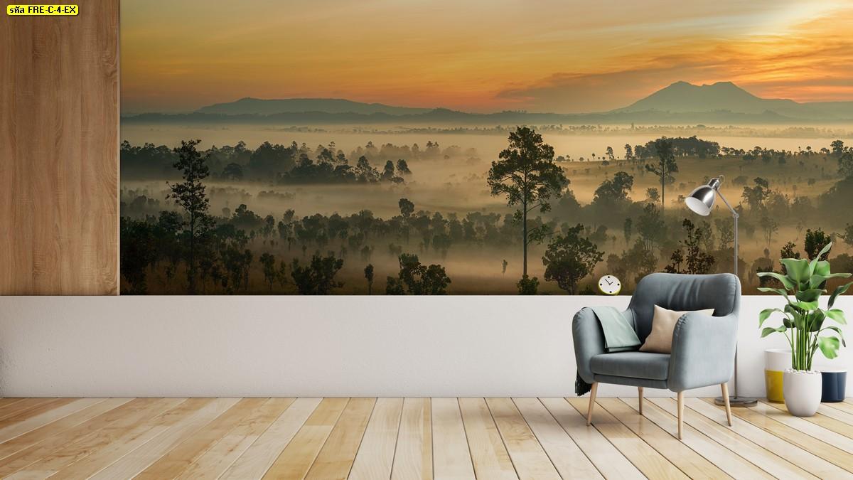 ห้องนั่งเล่นพื้นไม้ในบรรยากาศอบอุ่นยอดนิยม แต่งผนังภาพสั่งพิมพ์ธรรมชาติหมอกหนาในป่ากว้าง