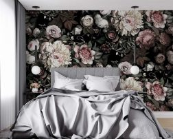 เตียงนอนผ้าปูสีเทาดีไซน์เรียบหรูพร้อมผนังลายดอกไม้หวานละมุนสไตล์วินเทจ